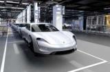 Компания Porsche готовит электрический Taycan на 2019 год показывают
